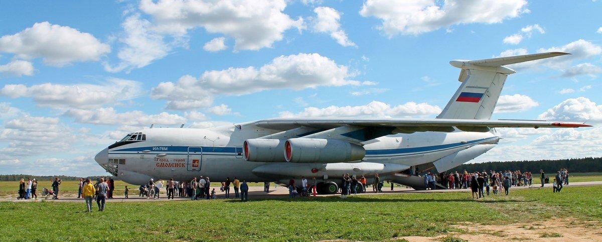 Самолет Ил-76М. Очередь в кабину экипажа. - Анастасия Яковлева