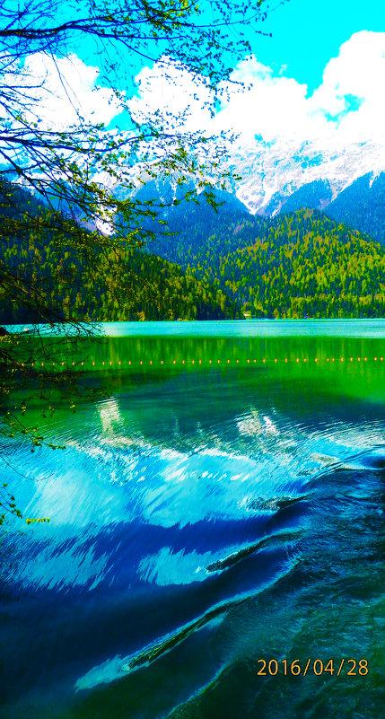 озеро Рица в Абхазии - Таня
