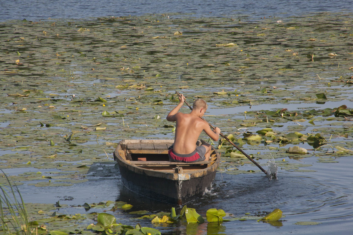 На лодке - Татьяна Суетина