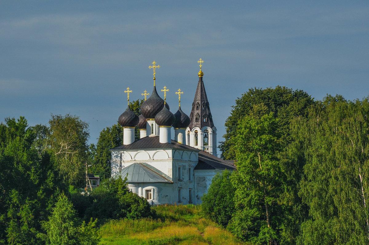 Церковь на берегу Волги. - Сергей Тагиров