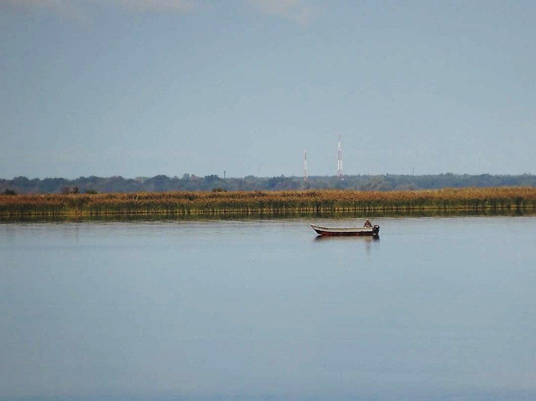 Одинокий рыбачок на заливе - Маргарита Батырева
