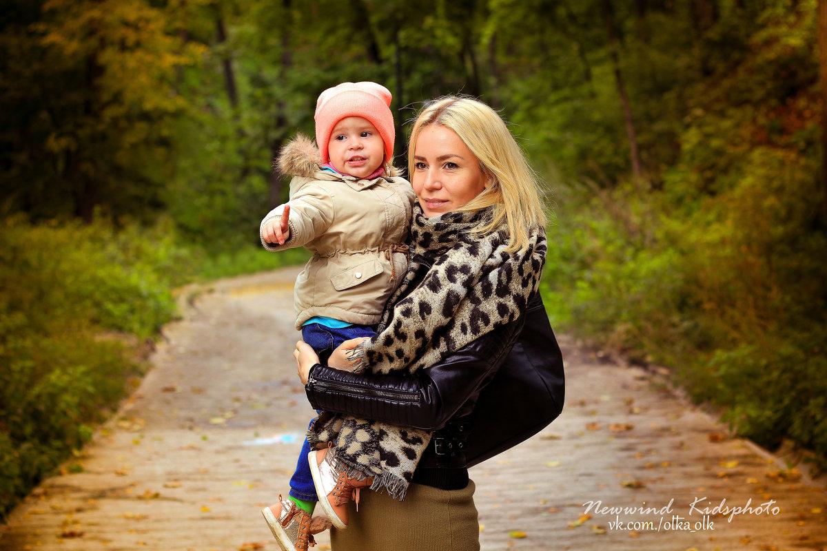 Яна и малышка Каролина - Ольга
