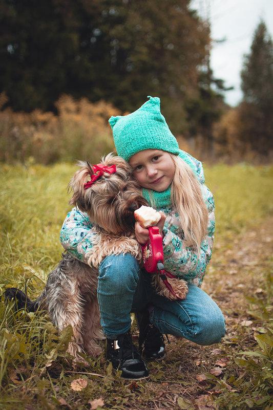 .....а собака любит вас за то, что вы просто есть на белом свете! - Екатерина