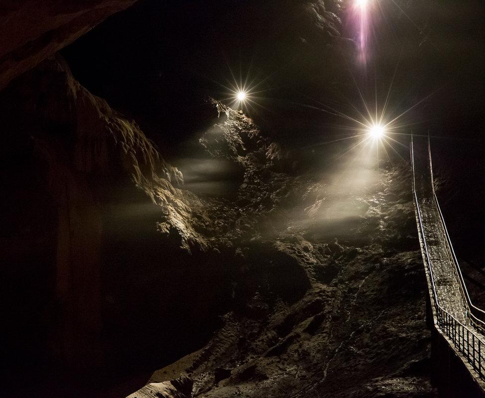 Новоафонские пещеры... - Дмитрий Гортинский