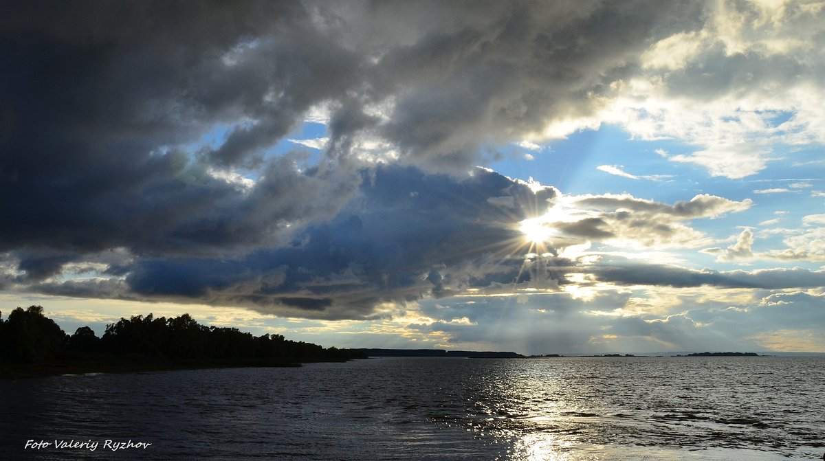 Осень на Каме - Валерий Рыжов