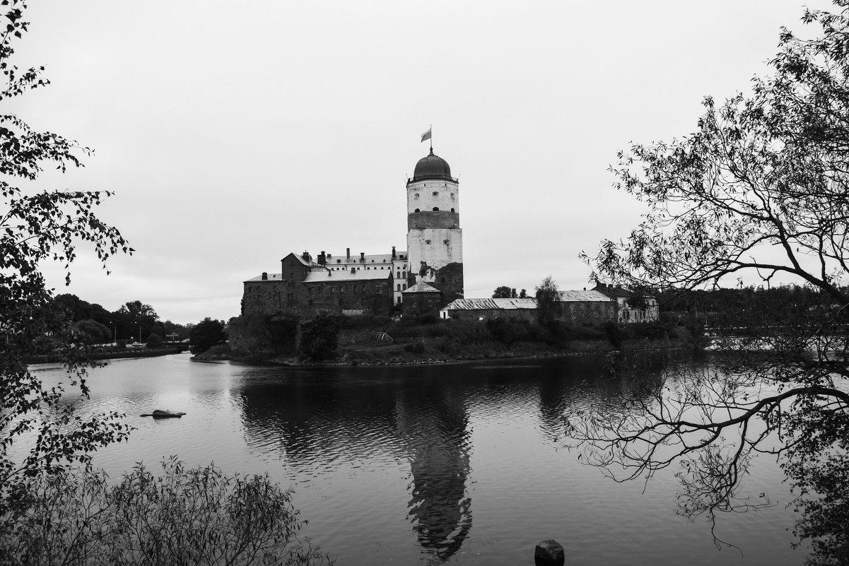 Замок Средневековья - Лариса Лунёва