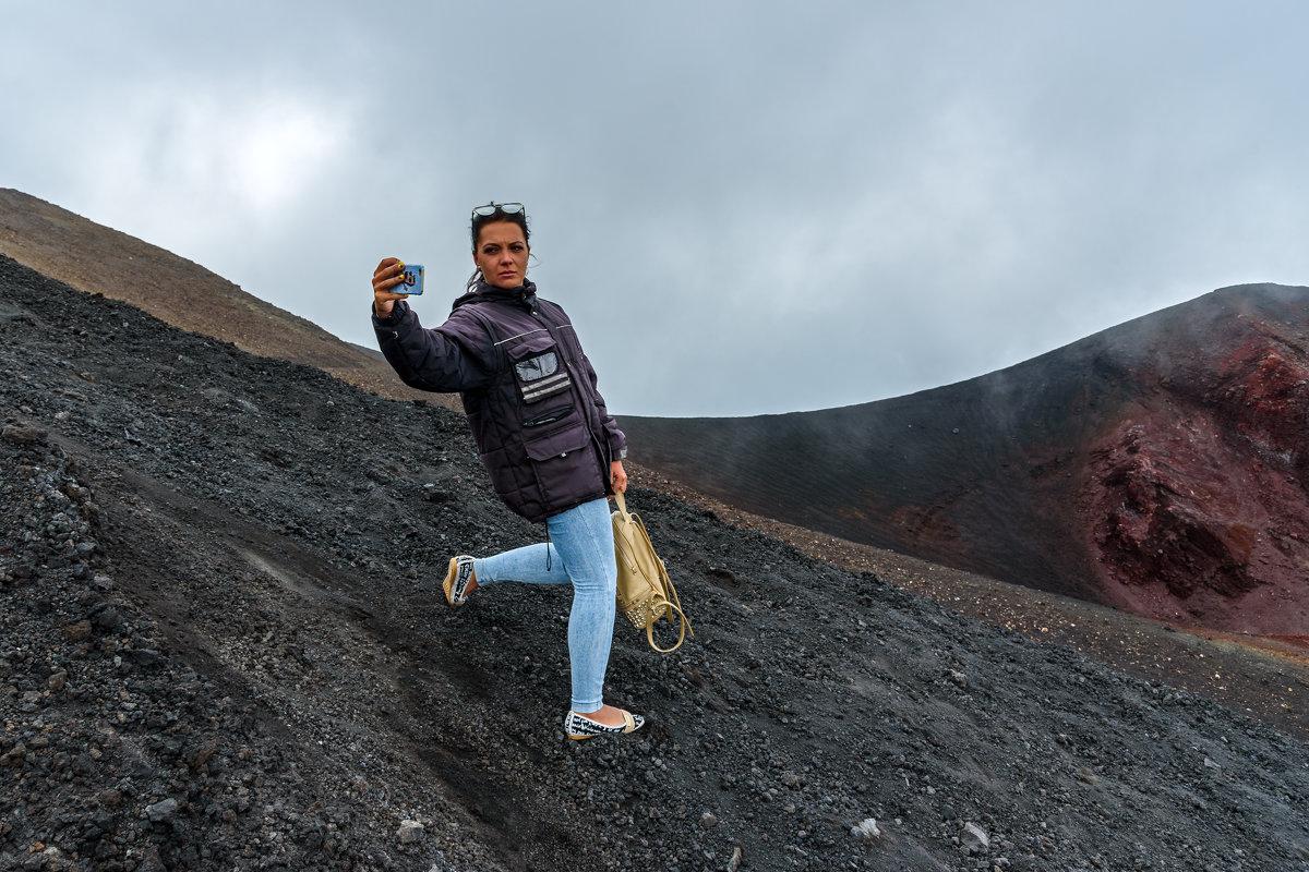 Селфи с вулканом - Виктор Льготин