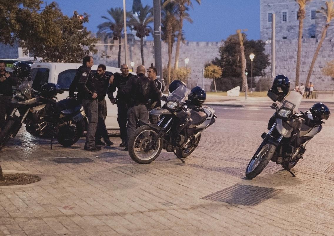 Моторизованная полиция. - Alla