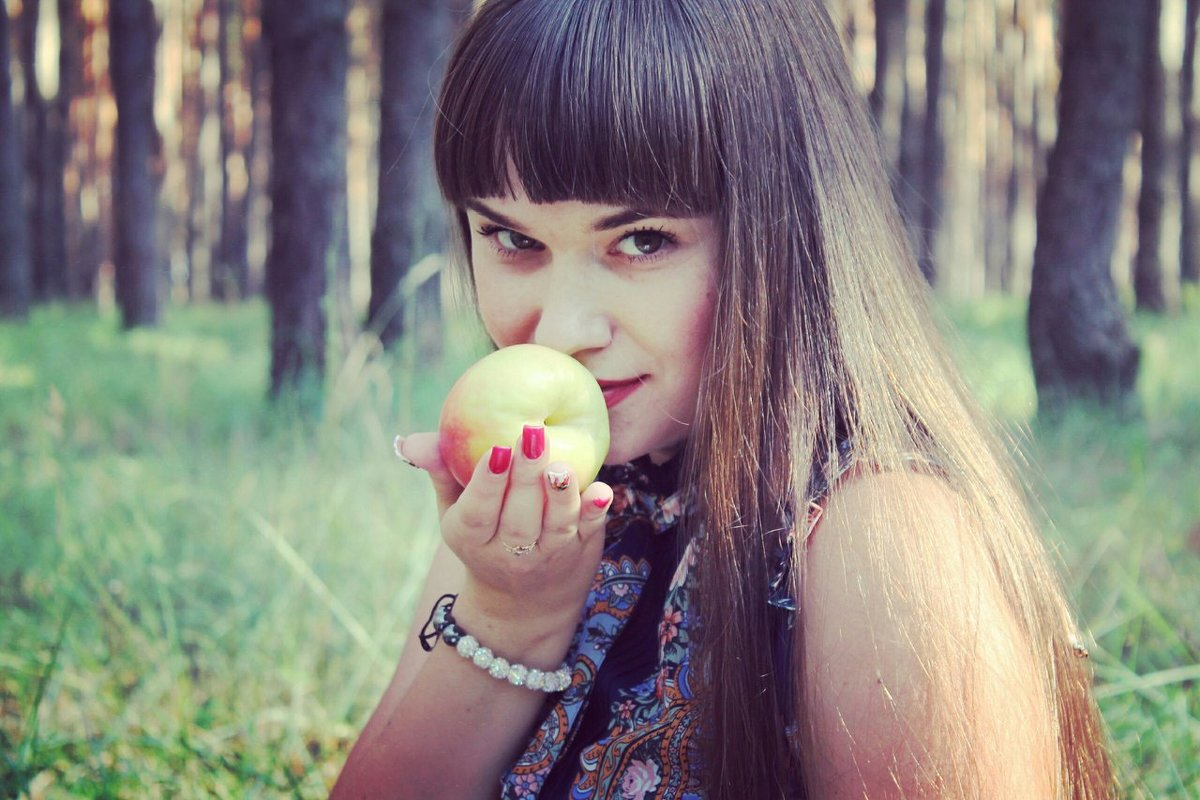 Молодильное яблочко - Галина Фуникова