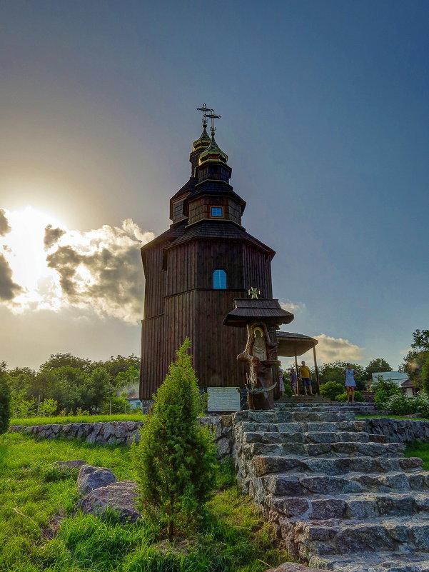 Церковь с Буда. - Сергей Титаренко