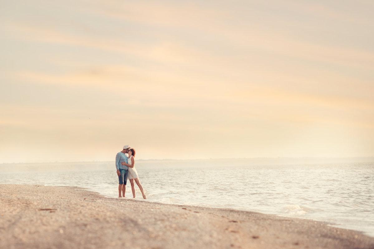 Море...и нежные объятия - Наталья Кирсанова