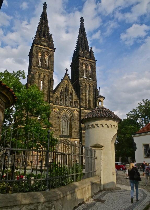 шпили собора - Елена