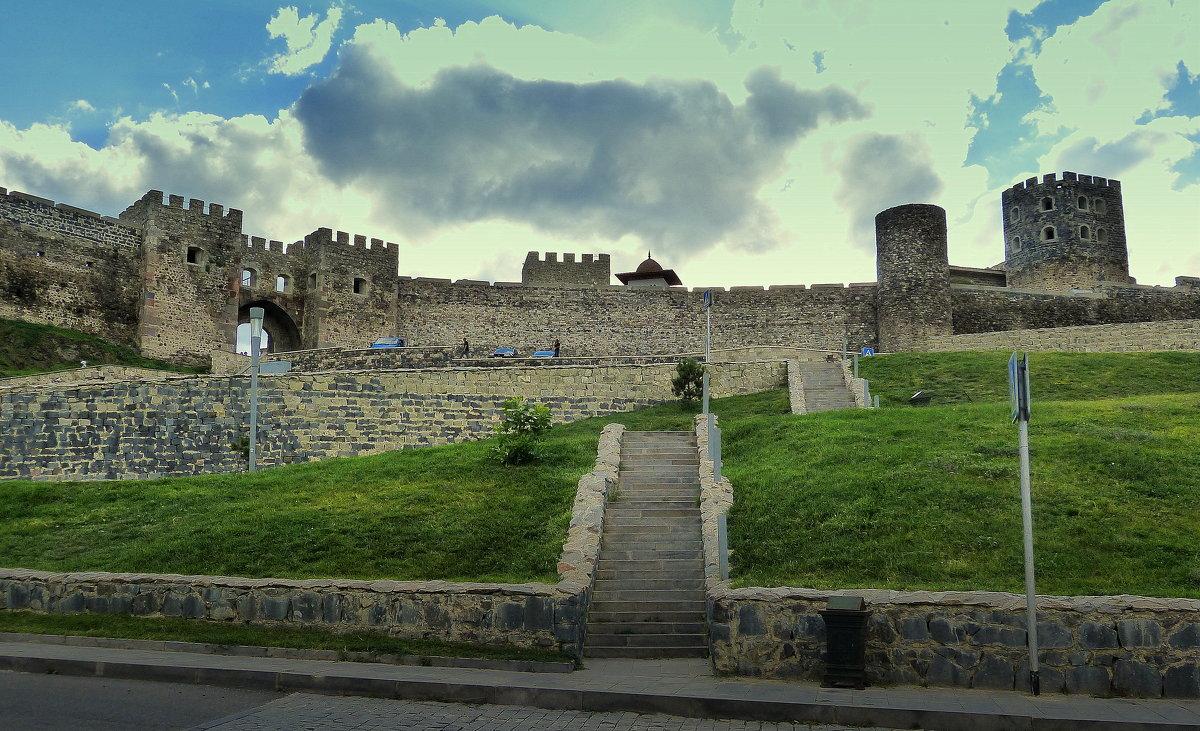 Грузия, крепость Рабат, лестница к главному входу. - Игорь