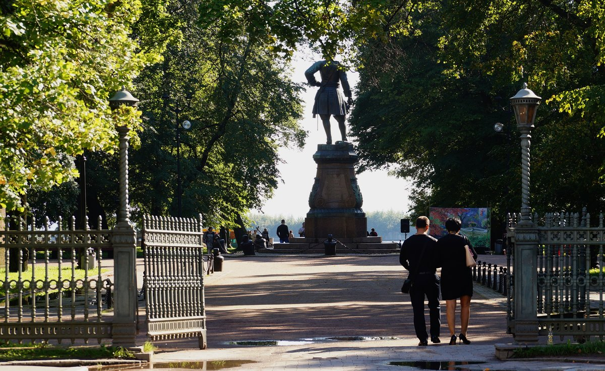 Памятник основателю - Ирина Шурлапова