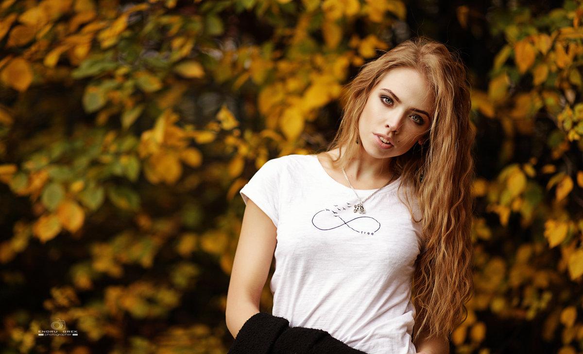 Осень...Настя.. - эндрю грек
