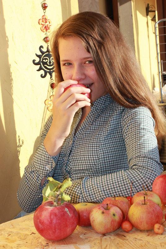 Яблочки) - Оксана К