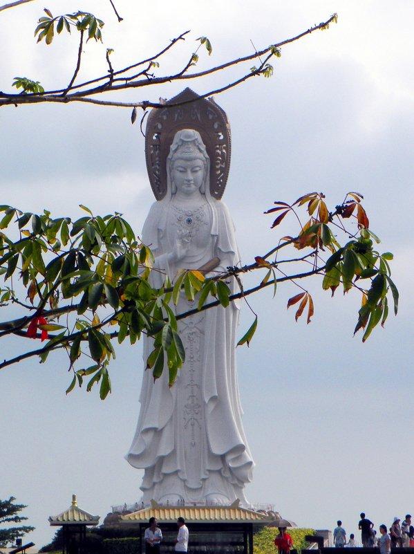 Статуя Богини Милосердия Гуань Инь - Маргарита