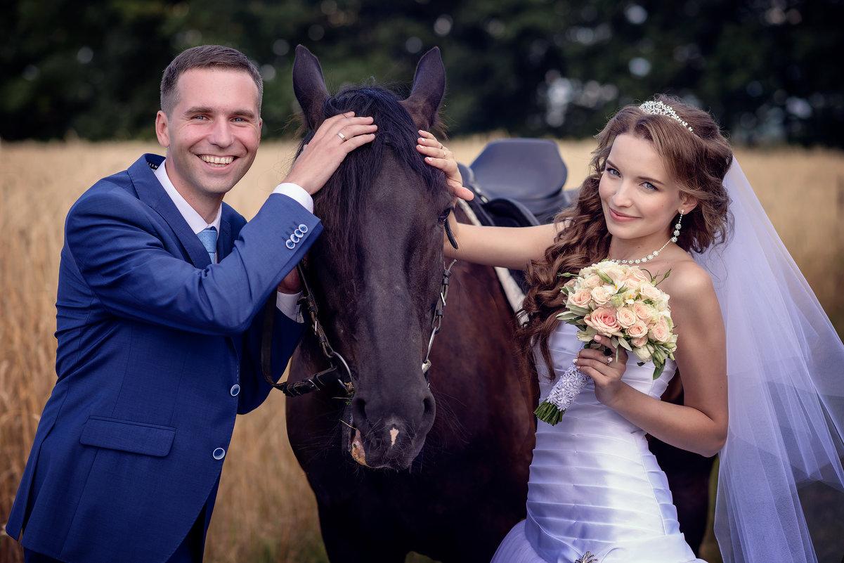 Дмитрий и Валентина, ми-ми с лошадками - Денис Соболев
