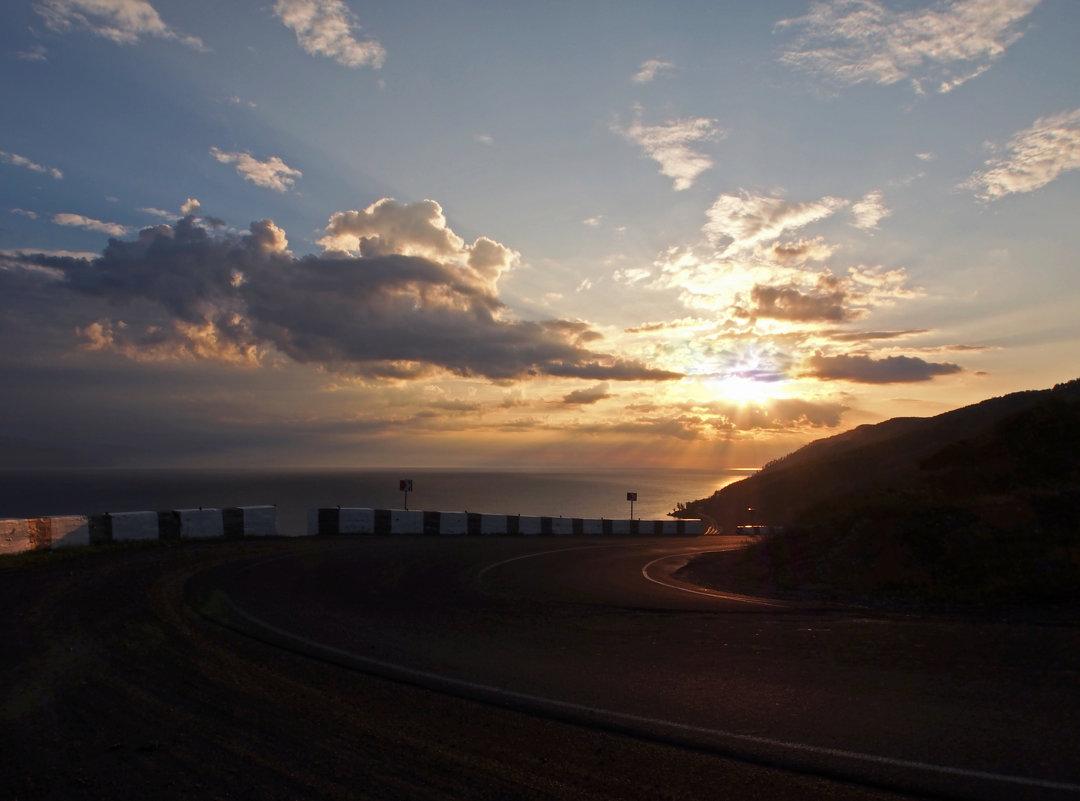 Вот и солнышко взошло над седым Байкалом... - Александр Попов