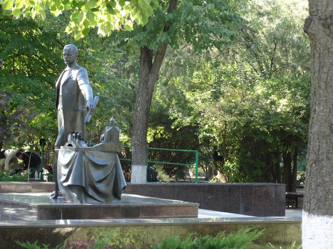 Памятник городскому голове Байкову А.В. - Тамара (st.tamara)