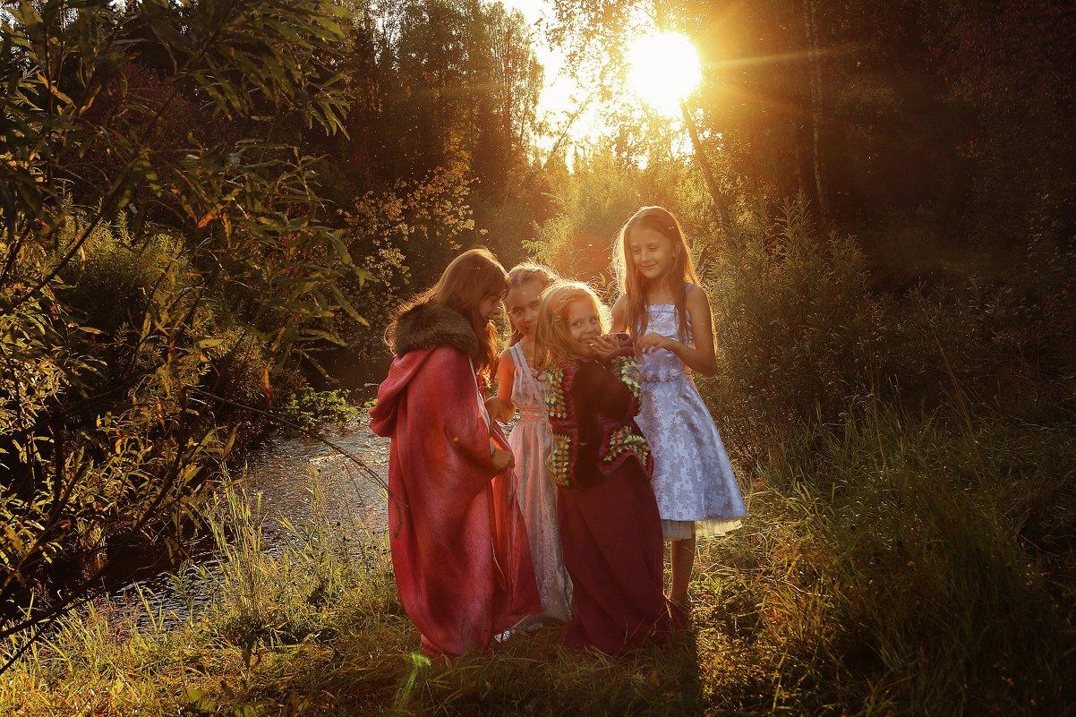 Девочки в лесу - Юлия Мухина
