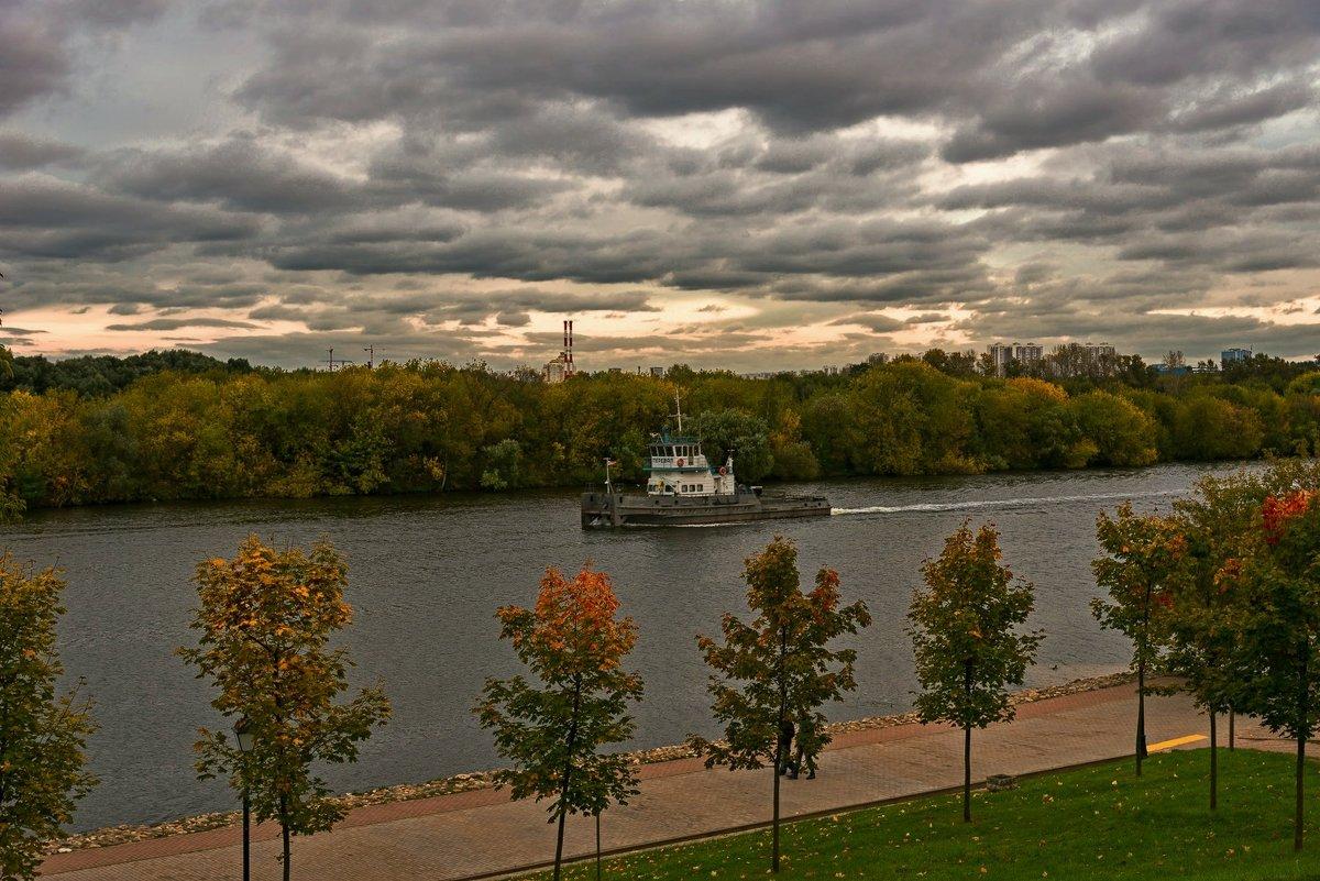 Кораблик пО реке плывёт.... - Александр Тулупов