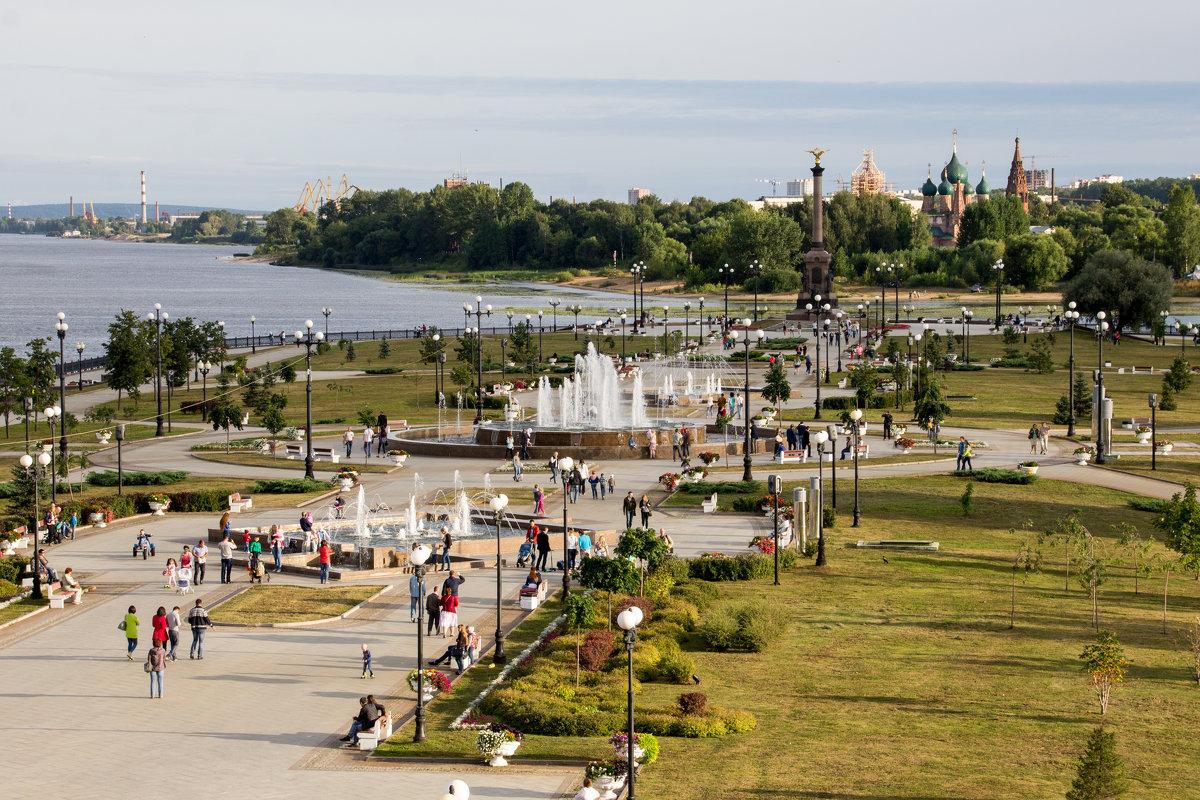 Каскад фонтанов в Ярославле - Светлана Ку