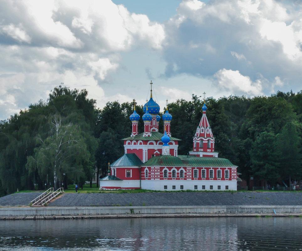 Церковь на берегу Волги. Углич. - Сергей Тагиров