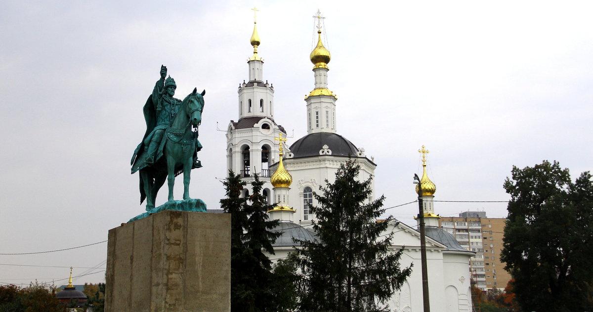Памятник Ивану Грозному. - Борис Митрохин