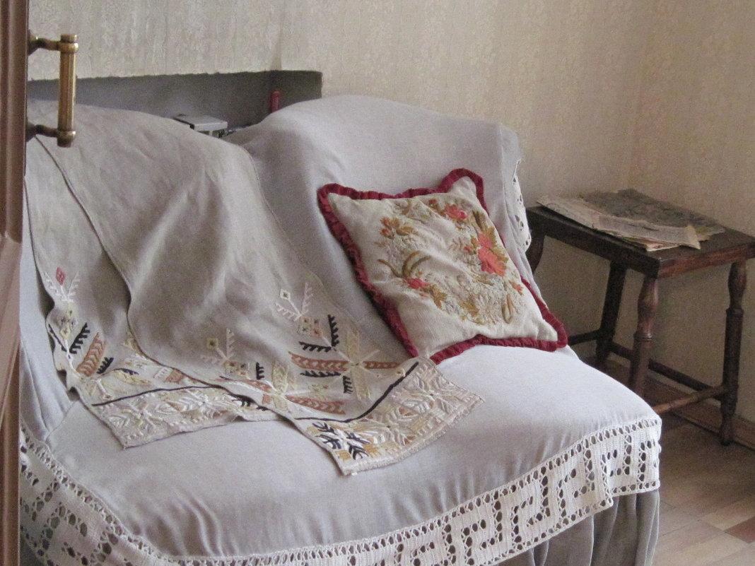 Комната Марии Павловны Чеховой. 19-й век - Маера Урусова