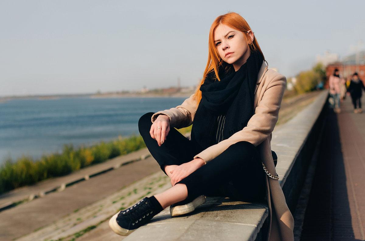 Девушка - John Afanasyev