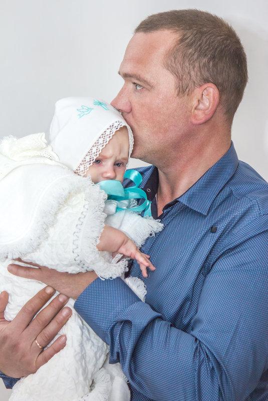 папа с сыном после крещения - Алена Дегтярёва