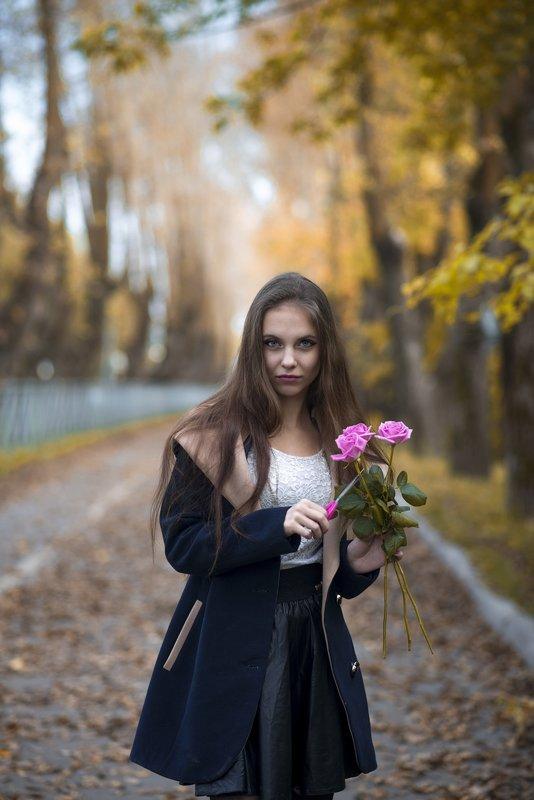 Лера с розами - Женя Рыжов