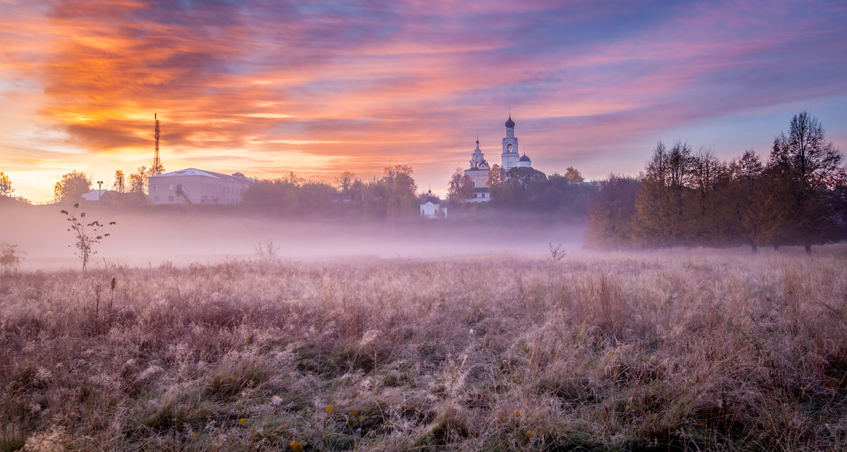 Утро у  Благовещенского монастыря - Колобаев Сергей