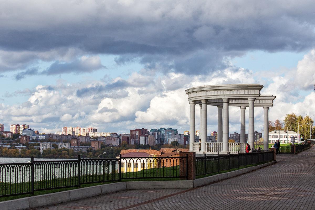 Город под облаками - Леонид Никитин
