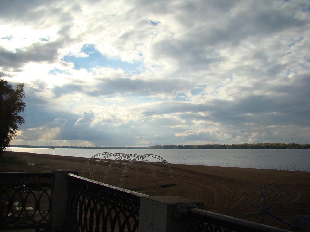 Осенний пляж - марина ковшова