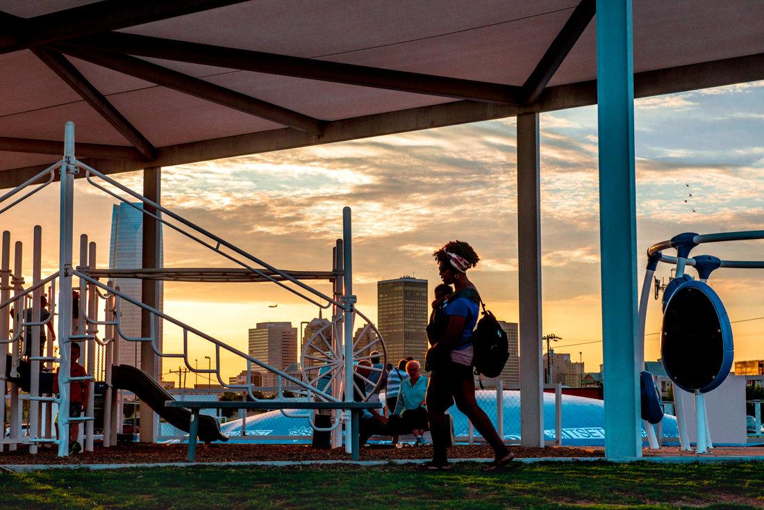 спортивная площадка, на закате - MVMarina