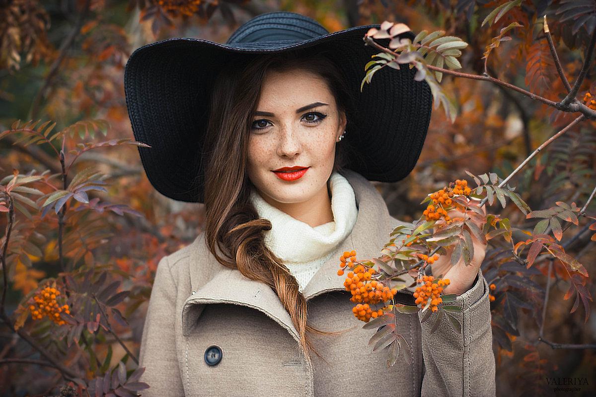 Девушка - рябина - Валерия Photo