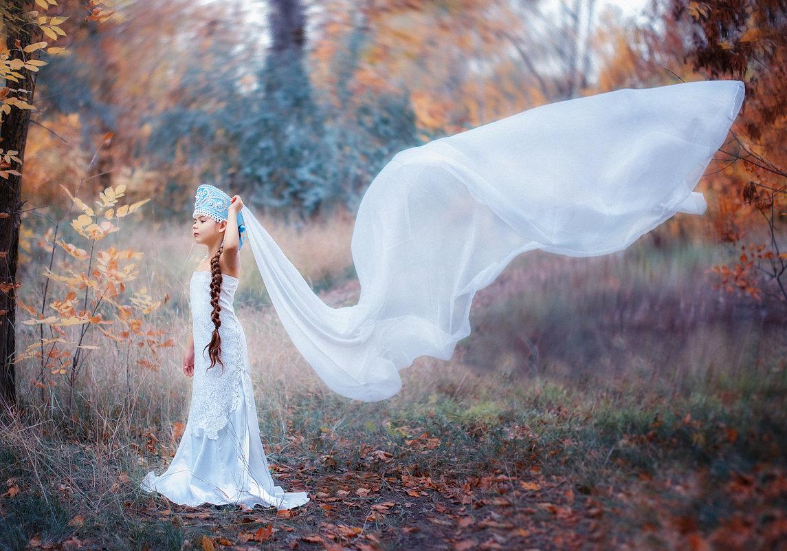 Царевна Лебедь ( прозрачное крыло) - Ольга Егорова