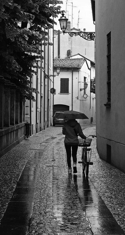 Зонтик и велосипед... - M Marikfoto