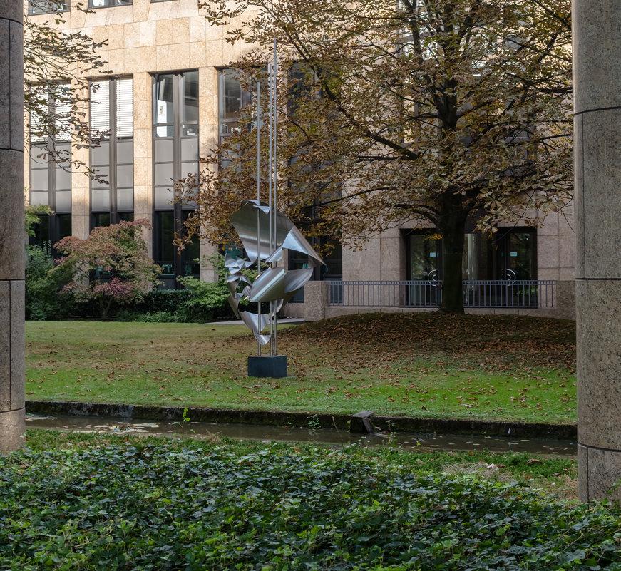 Абстрактый памятник, Дюссельдорф - Witalij Loewin