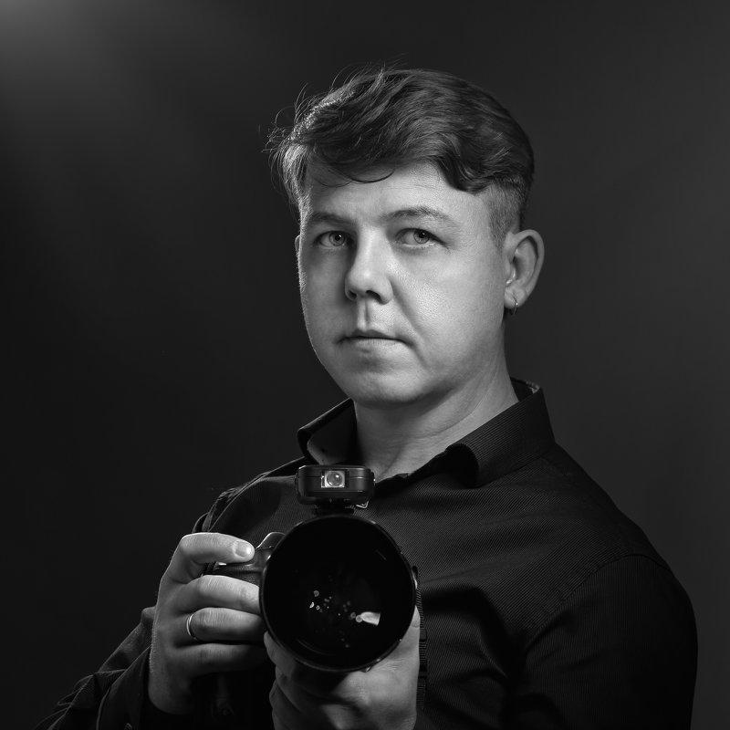 Автопортрет - Георгий Бондаренко