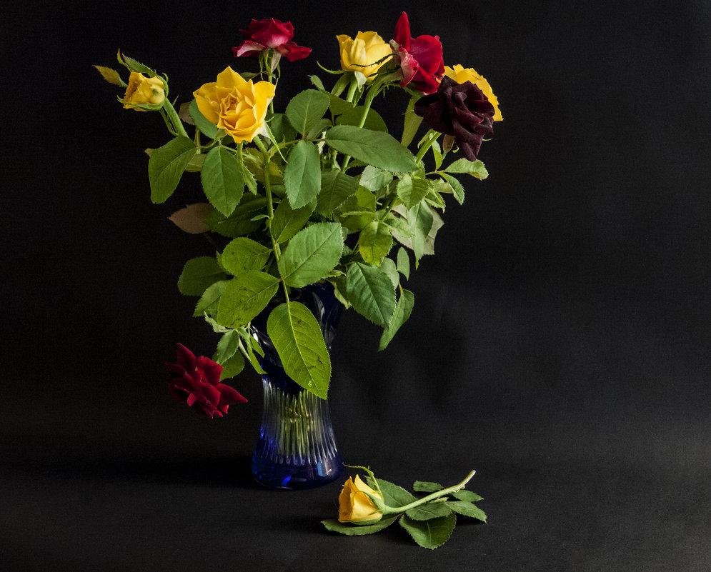 С синей вазой - Alla