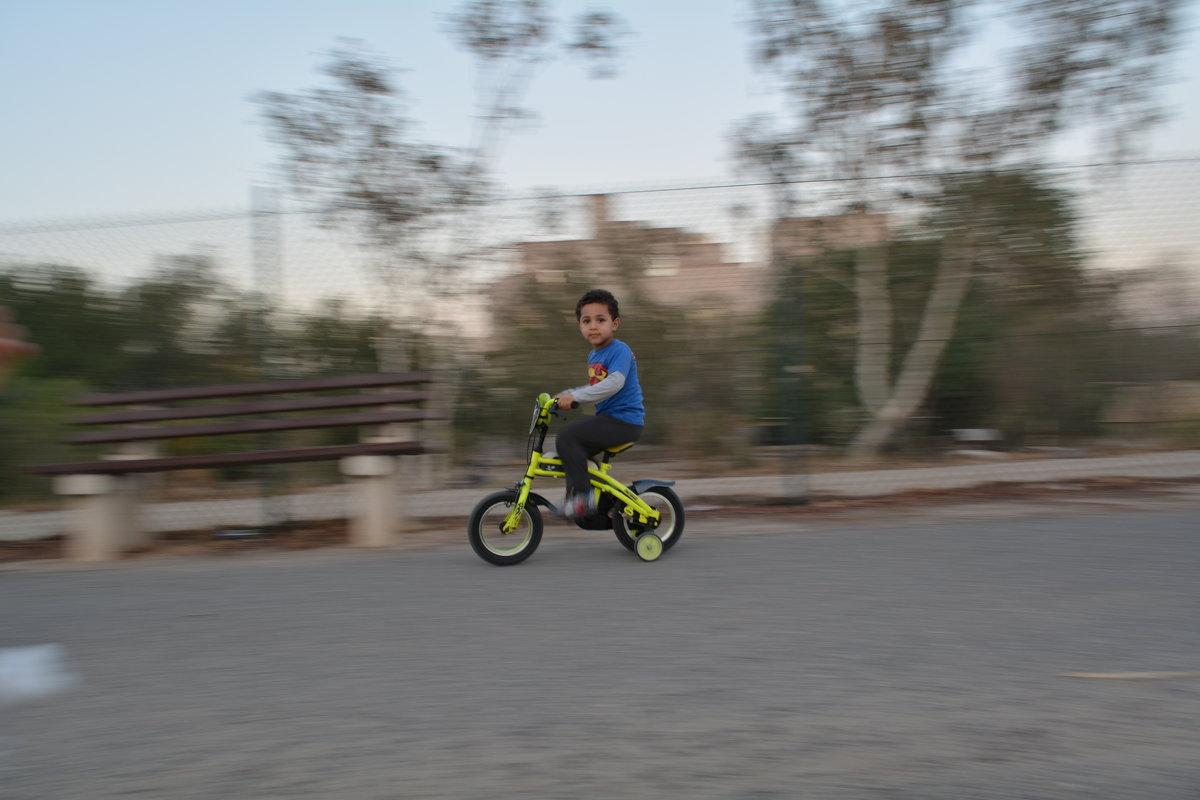 Мальчик на велосипеде - Kristina Suvorova