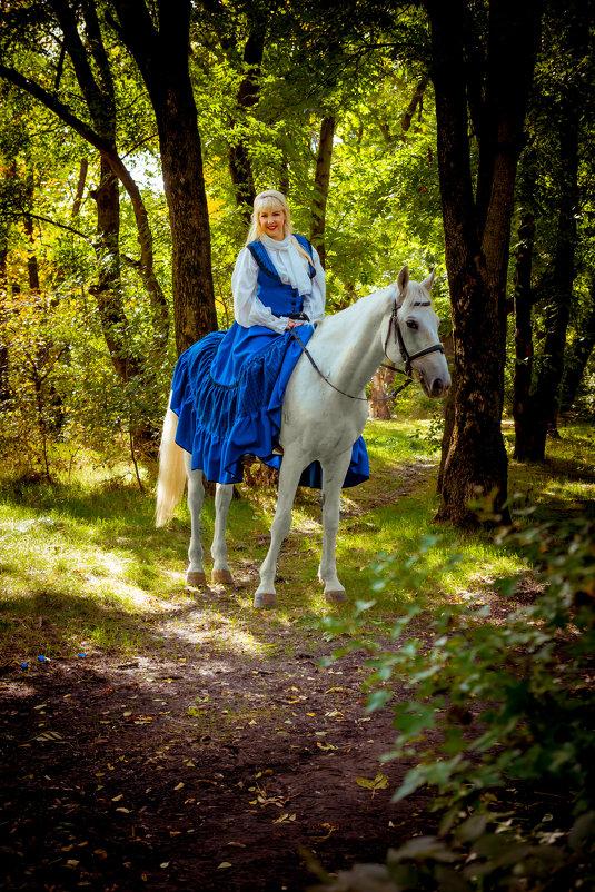 Наездница в лесу - Ростислав Уханов