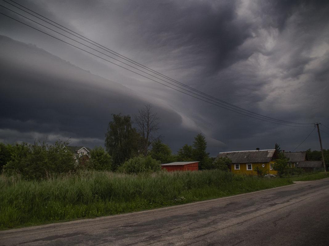 Перед грозой - Александр Зенченко