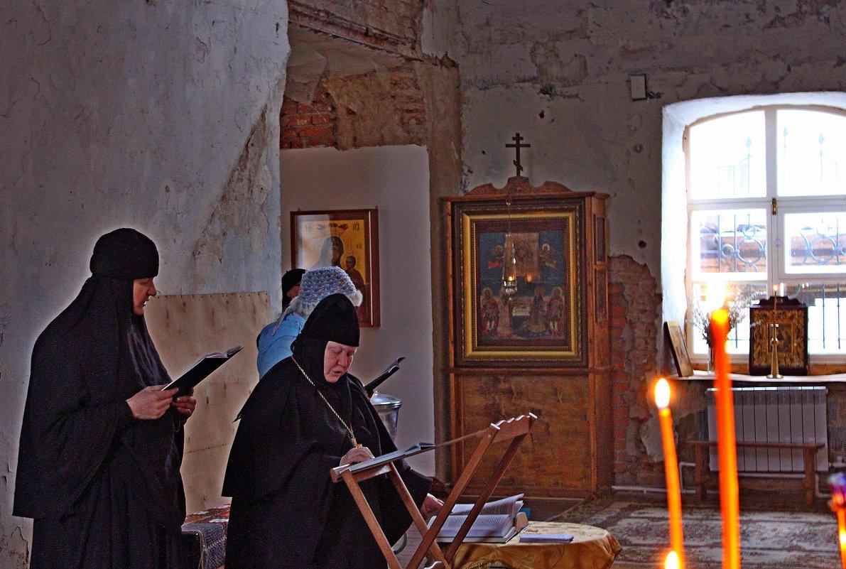 Монахини - Vladimir Semenchukov