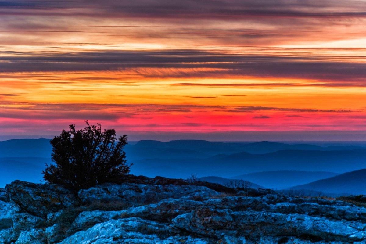 Небо в горах после заката - Ольга