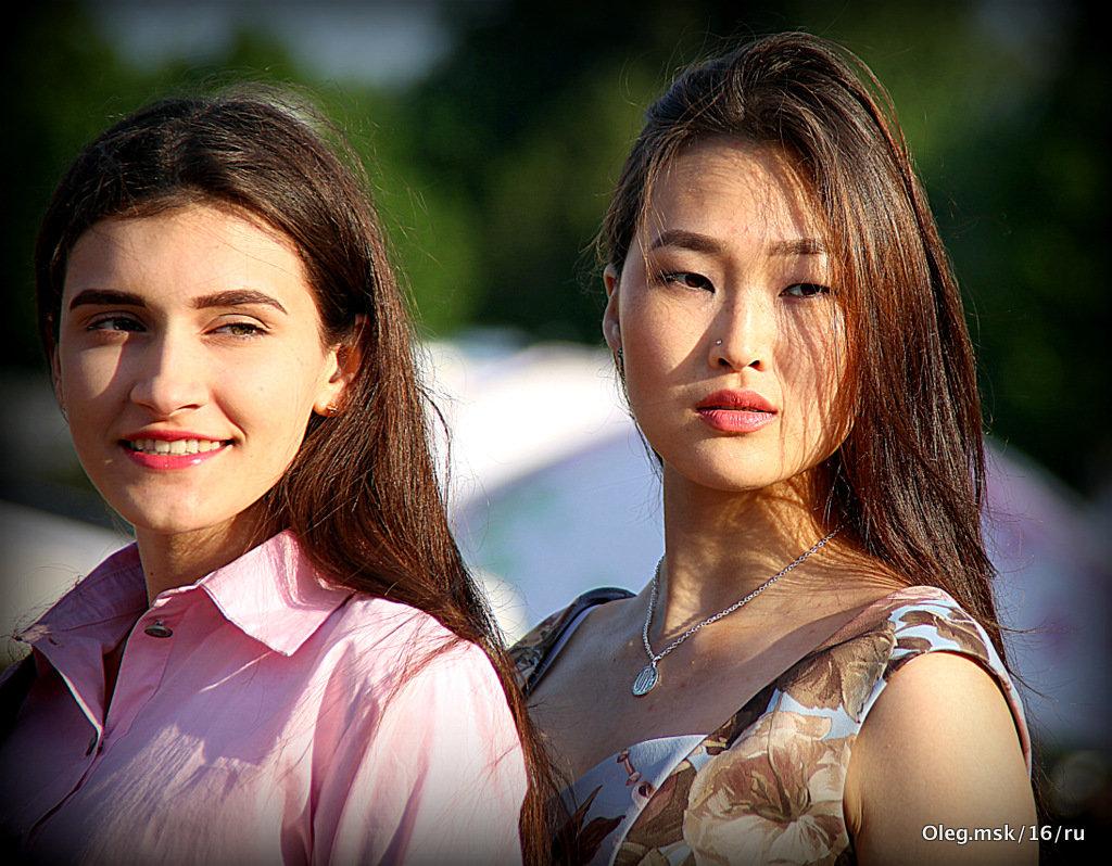 солнечные девушки - Олег Лукьянов