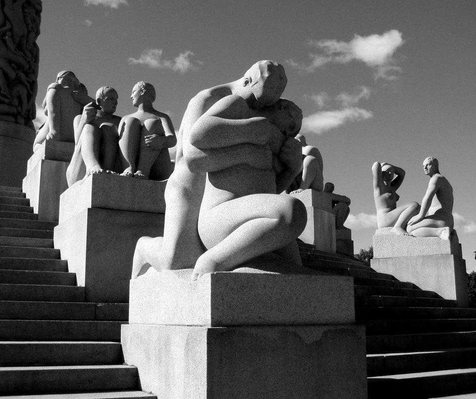 В парке Вигеланда. Осло - Лара Амелина